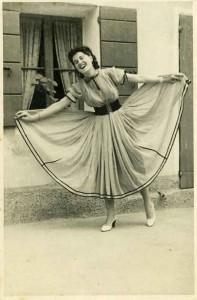 il vestito e la gonna a ruota per ballare