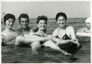 gruppi di amici al mare