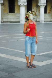 una mascherina d'agosto
