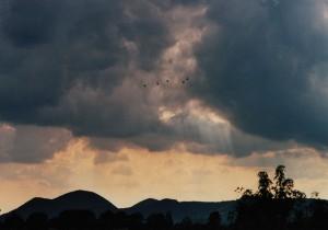 le nubi nere cariche di fragore